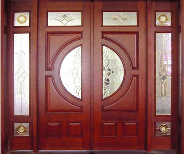 Làm khuôn cửa bằng gỗ tựu nhiên gì tốt nhất?